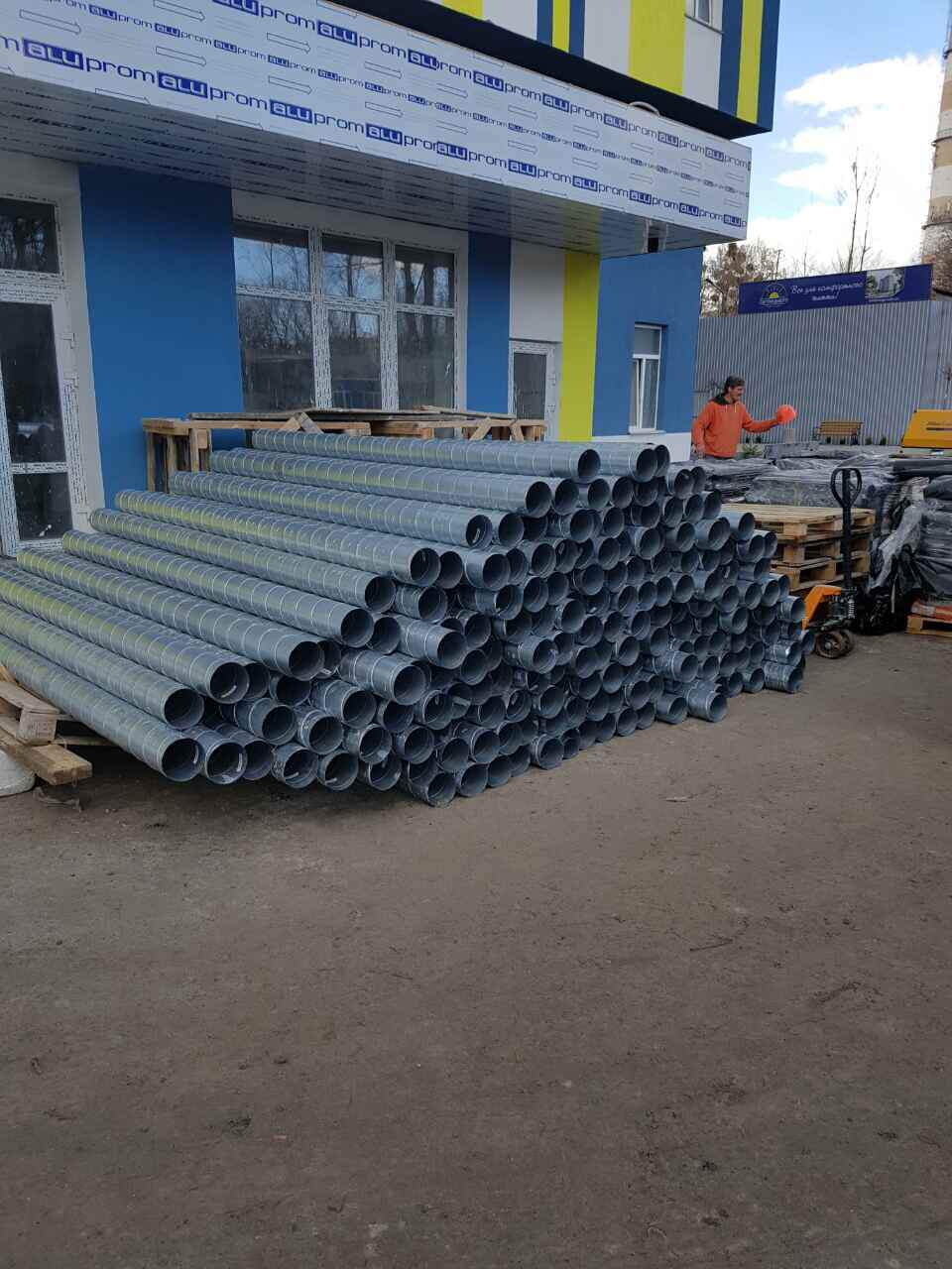 Строительные новости ЖК «На Светлицкого, 35»: выполняются работы по монтажу вентиляционных систем